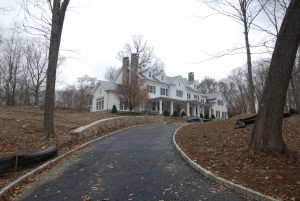 side view with driveway