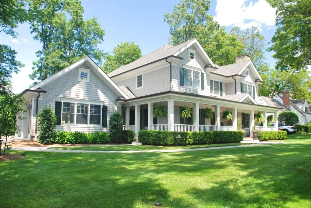 Colonial home design with front porch in Rye NY
