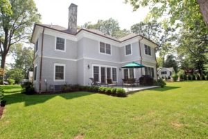 Colonial home with cedar shingles in NY