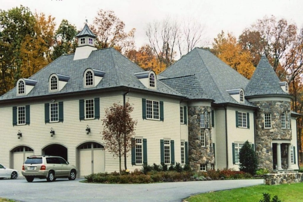 French Country home with 3 car garage in NY