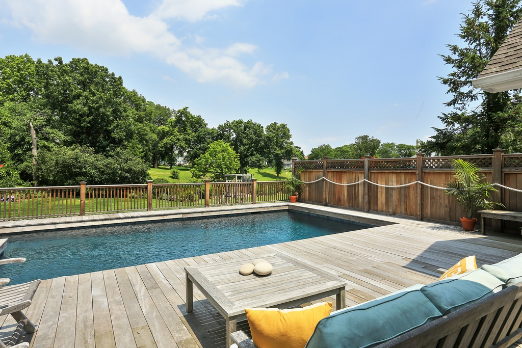 rye ny home deck