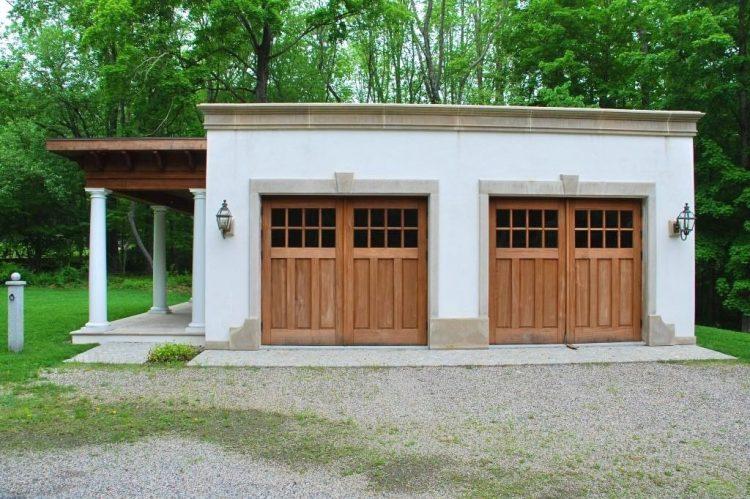 Mediterranean style garage by DeMotte Architects in Easton CT