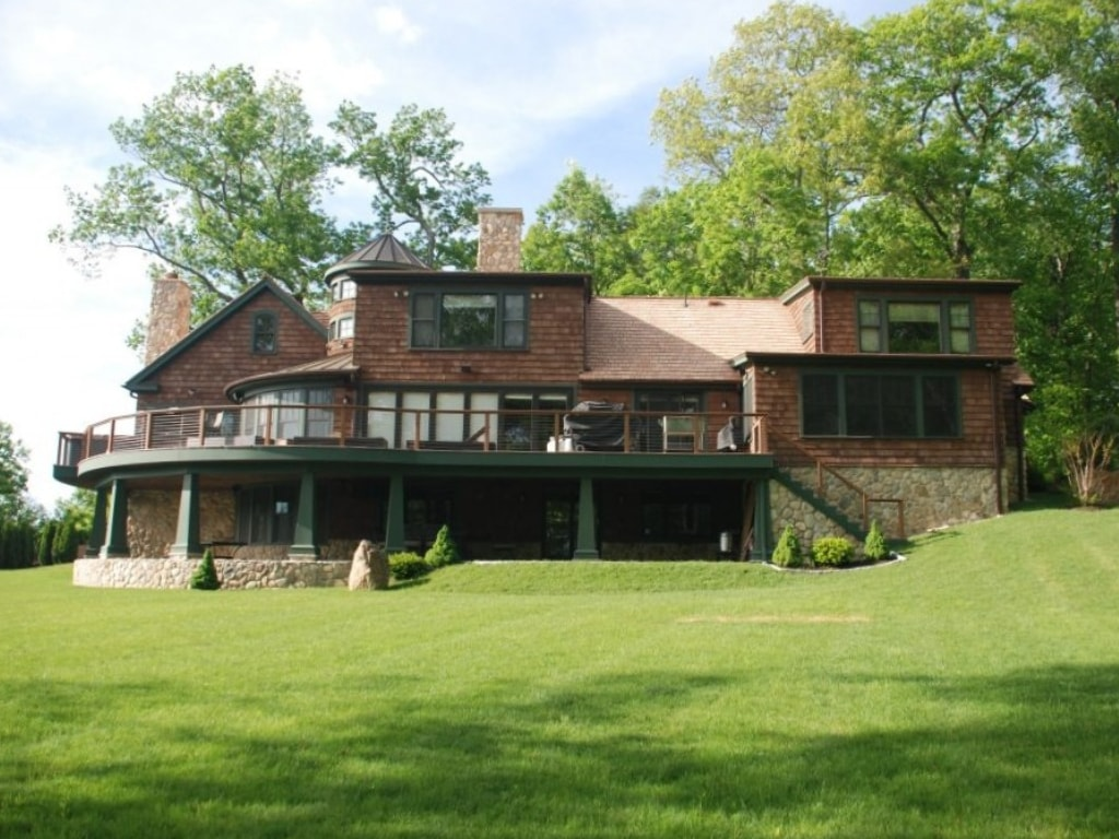 New Fairfield CT home addition remodel by DeMotte Architects