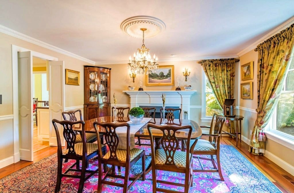 Ridgefield CT Dutch Colonial dining room