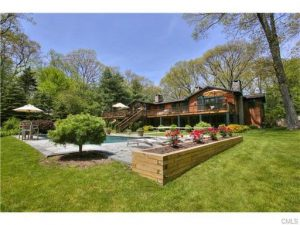 arts and crafts ranch home in weston ct