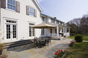ny colonial addition patio by demotte architects
