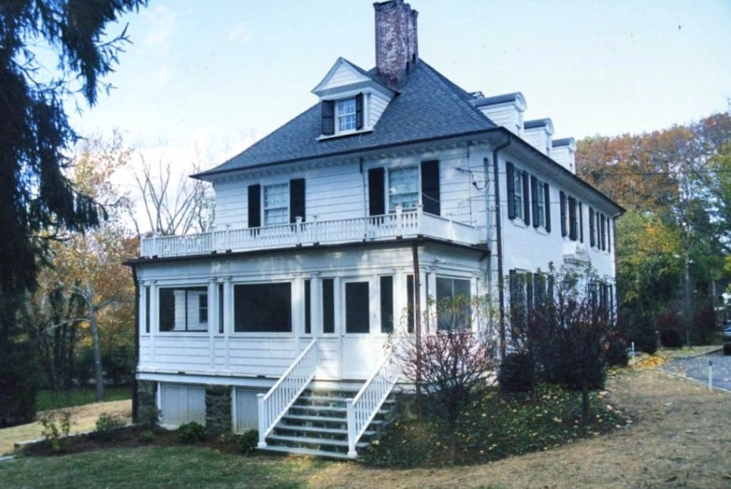 Addition to Colonial home built in late 1800s