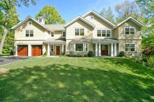 Shingle style house scarsdale ny