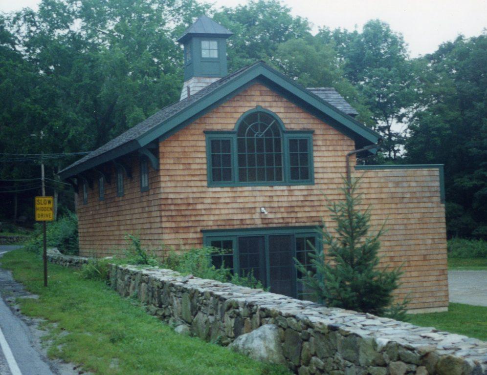 pound ridge ny shingle style building
