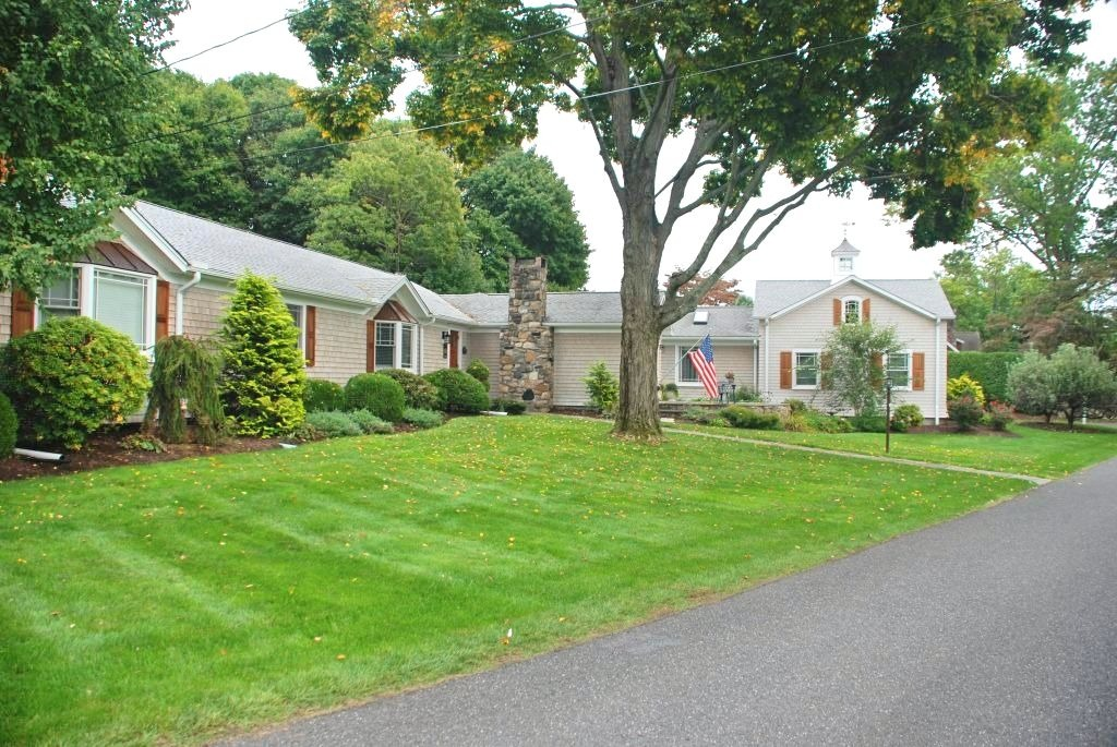Side of Brookfield CT home with garage addition