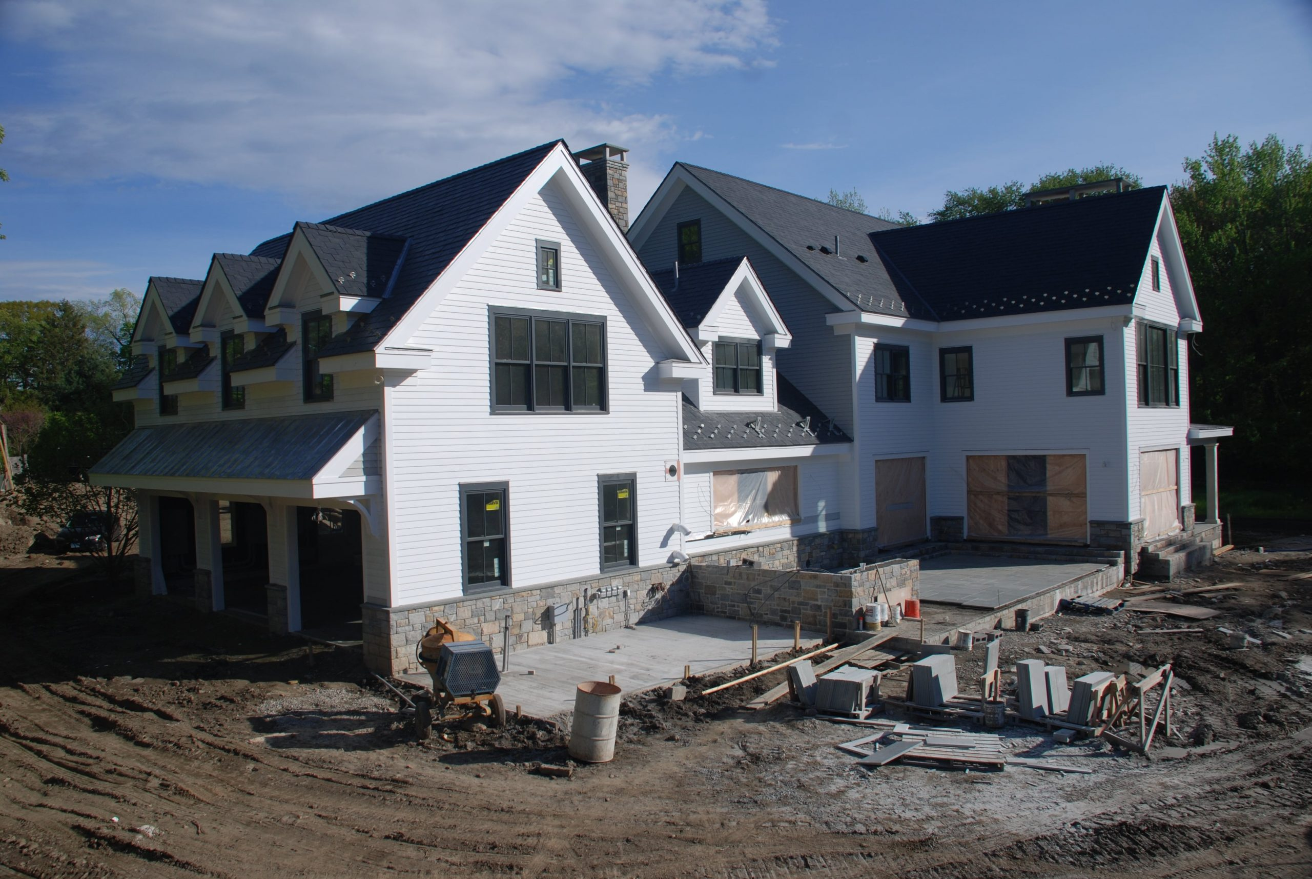 10-modern-farmhouse-greenwich-ct-home-construction-garage