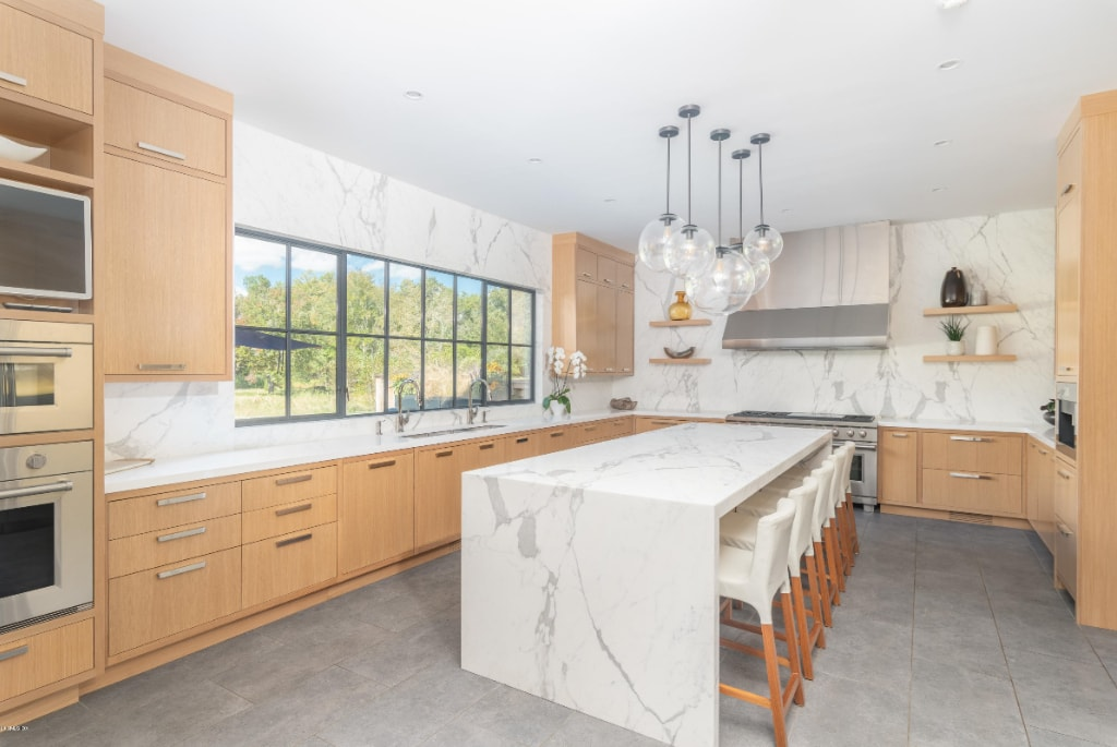 Greenwich CT modern farmhouse kitchen