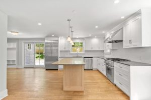 Open kitchen in Riverside CT shingle style home design