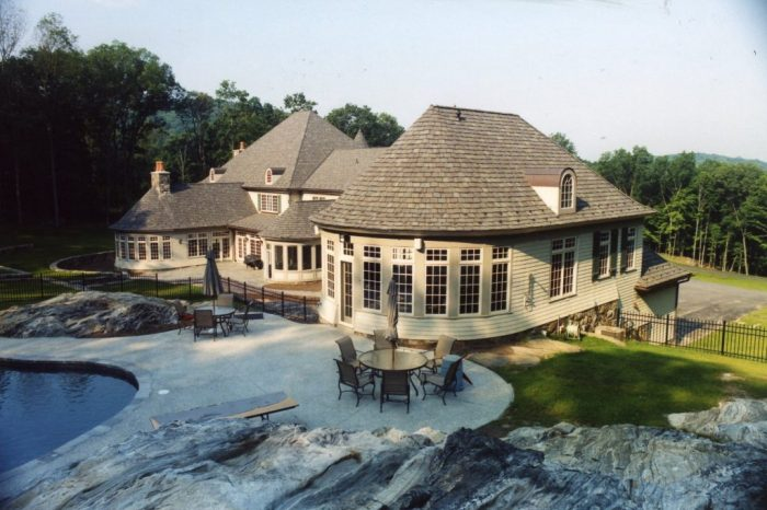 exterior of custom pool house in katonah ny by demotte architects